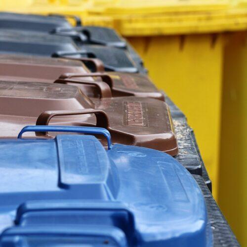 segregacja odpadów, kosze na śmieci, recykling